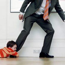 Как отец может избежать уплаты алиментов на ребенка